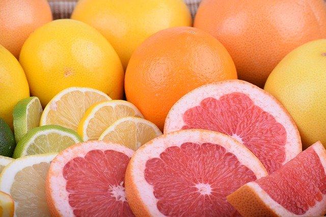 優光泉を炭酸で割ってレモンや柑橘系(ライム、グレープフルーツ)を入れると爽やかな味で美味しい